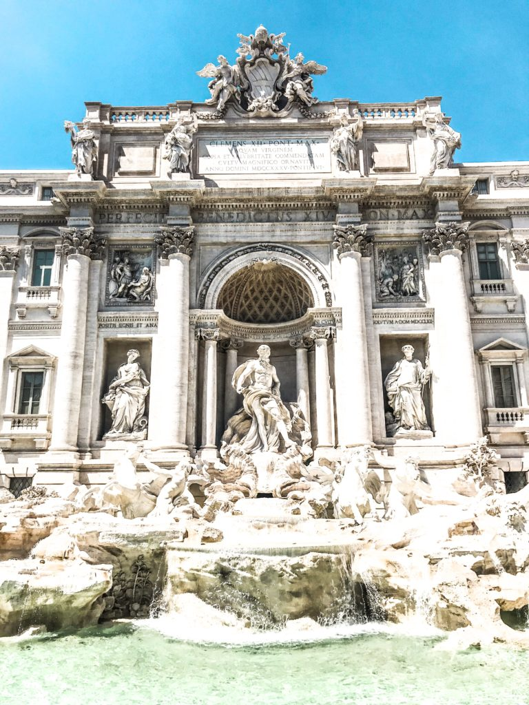 Trevi Fountain i Rom