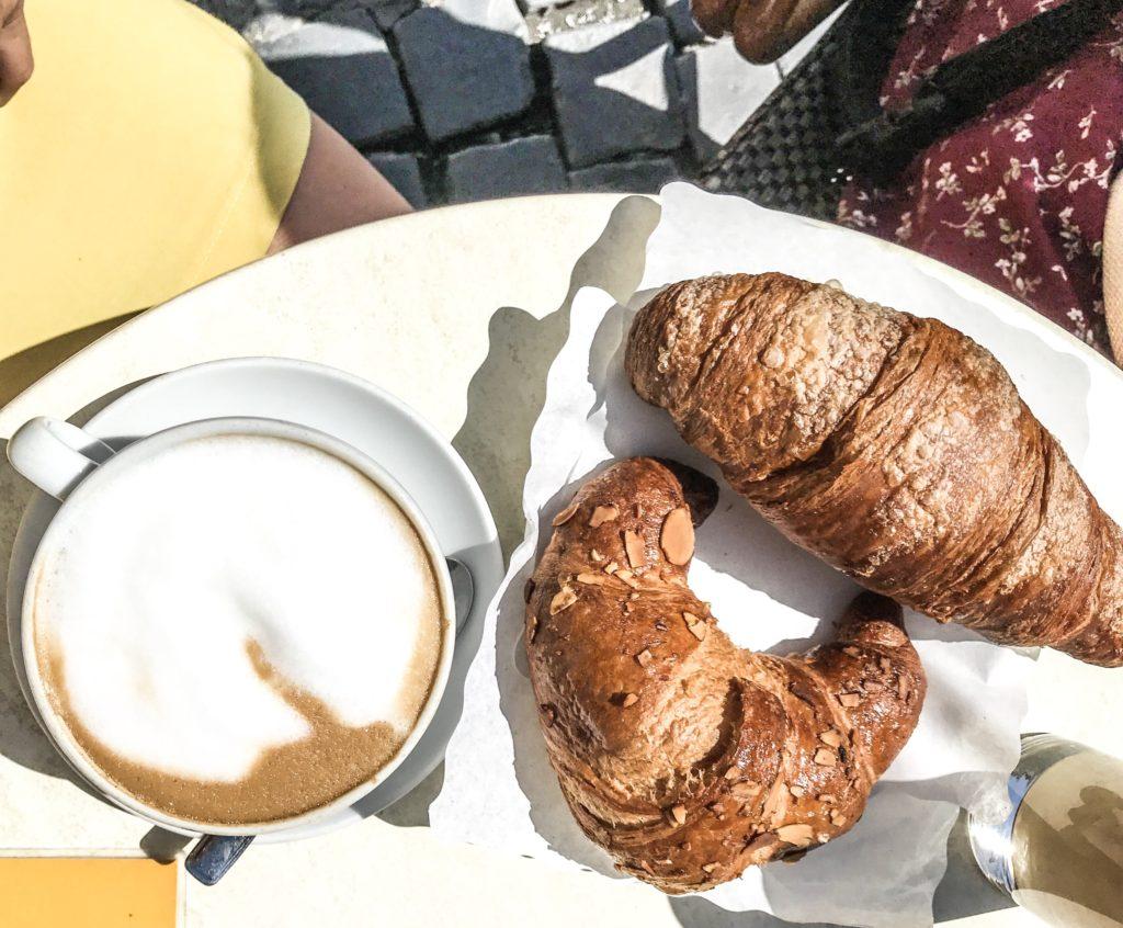 Morgenmad og god kaffe i Rom