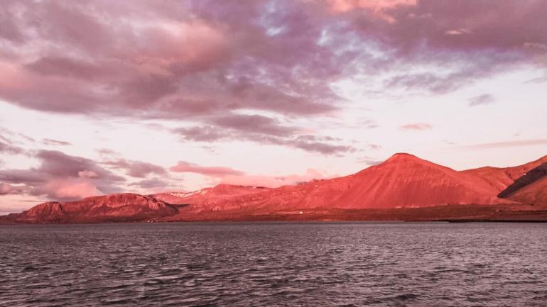 Solnedgang Island